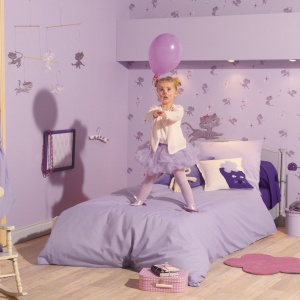 Tapeta ścienna Miss Zoe od marki Caselio. Wspaniała kolekcja dla małych księżniczek i nie tylko. Fot. Caselio.