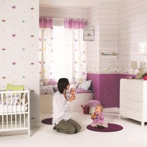 Tapeta z kolekcji Happy World. Świeże wesołe kolory sprawdzą się zwłaszcza w pokoju niemowlaka i małego dziecka. Fot. Casadeco.