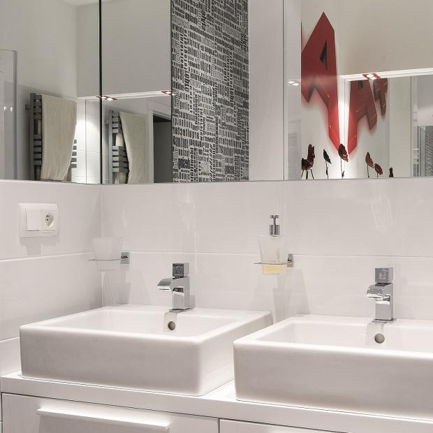 Łazienka dla rodziny – gotowy projekt z wanną i kabiną