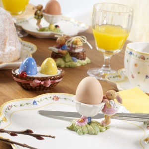 Jak zaaranżować stół na wielkanocne śniadanie?