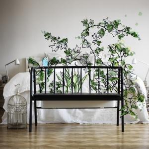 Ławka  z pojemnikiem na rośliny doniczkowe. Kolekcja ANVÄNDBAR projektu Studia Ganszyniec. Fot. IKEA.