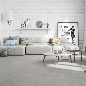 5 pomysłów na beton w salonie