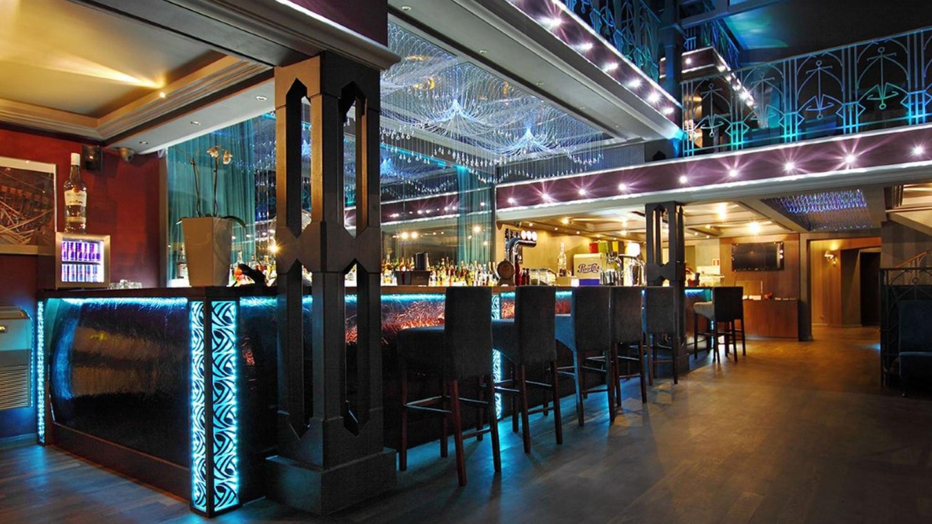 Bar w klubie Scenografia. Fot. Atelier Słowiński