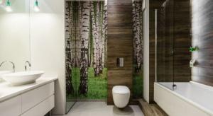Najważniejsze, by strefa kąpieli była wygodna w codziennym użytkowaniu. Zazwyczaj prysznic tworzy się we wnętrzach o małym metrażu, ponieważ tradycyjna kabina zabiera niewiele przestrzeni, a jednocześnie – umożliwia wygodne kąpiele.