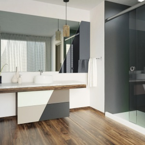 Przykład wykorzystania szkła produkcji firmy Mochnik w łazience. / fot. Mochnik