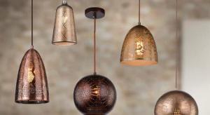 Lampy z kolekcji Sfinks idealnie wpisują się w trend orientalny, gdyż swoim kształtem i kolorem bezpośrednio nawiązują do wschodniej stylistyki.