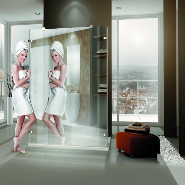 Kabiny z lustrami - sprawdź modele powiększające łazienkę
