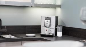 Współczesne ekspresy do kawy oferują wiele funkcji, ułatwiając zaparzenie ulubionej małej czarnej. Zobaczcie propozycję od znanej marki.