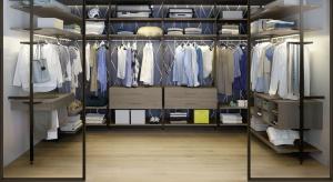 W każdym domu jest miejsce na przechowywanie ubrań. O tym czy w naszej szafie lub garderobie zapanuje chaos lub porządek decyduje właściwie dobrany układ półek, szuflad i drążków.