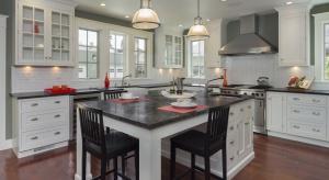 Blat w kuchni musi być nie tylko trwały, ale i estetyczny. Wśród różnych materiałów, warto zwrócić uwagę na propozycje z konglomeratu.