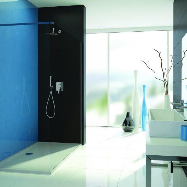 Modna łazienka: nowe kabiny walk-in