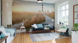 Zastanawiacie się jak można odmienić mieszkanie bez gruntownych prac remontowych i kosztownych rewolucji? Wybierzcie tapety i fototapety - znów są modne, a do tego optycznie powiększają przestrzeń.