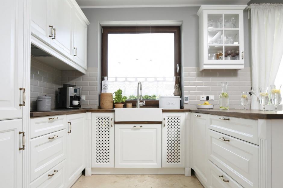 Aranżacja kuchni w Szare ściany w kuchni ciekawe   -> Kuchnie Klasyczne Szare