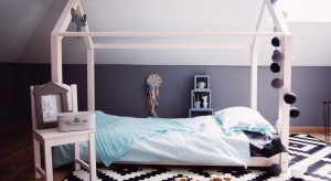 Miętowy, delikatny iklasyczny komplet stworzy łagodną, przyjemną oazę snu. Pasuje do najnowszych trendów!