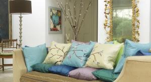 Stwórz z nami wyjątkowe poduszki z japońskim motywem kwiatów wiśni, a zobaczysz jak łatwo przeprowadzić wiosenną metamorfozę we własnym domu.