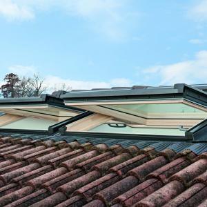 Nowe okna dachowe w starym domu. Fot. Roto Okna Dachowe