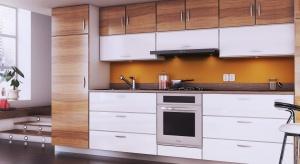 W uzyskaniu spójnej wizualnie oraz funkcjonalnej aranżacji kuchni pomoże sprzęt AGD w zabudowie.