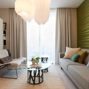 Jasne wnętrze: piękny elegancki apartament