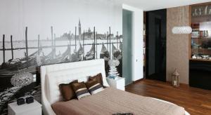 Ścianę w sypialni możemy wykończyć na wiele sposobów oprócz tradycyjnej farby. Zobaczcie co wybrali rodzimi projektanci.