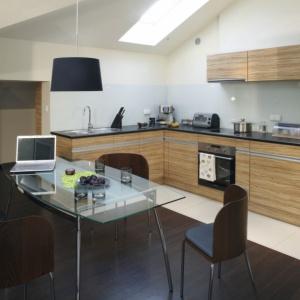Beże, brązy i szarości - kolory ziemi w kuchni