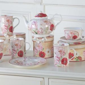 Romantyczny stół: porcelana w rustykalnym stylu