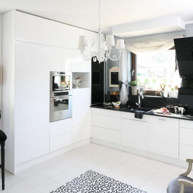 Kuchnia na wysoki połysk - pomysły z polskich domów