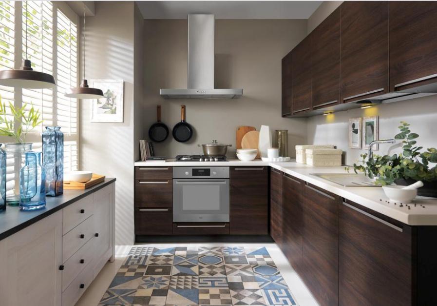 Kuchnia Iris z oferty Black Meble kuchenne na wymiar, modułowe albo got