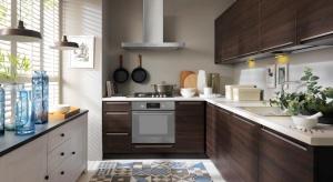 Kuchnia to centrum domu, miejsce, w którym od rana unosi się aromat świeżo parzonej kawy i spotykają się wszyscy domownicy. Jej układ, styl i funkcjonalność to cechy, dzięki którym to pomieszczenie tętni życiem.