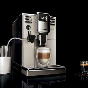 Ekspres do kawy Saeco Incanto One Touch Milk Carafe HD8917/09 sprawi, że nasza kawa będzie nie tylko piękna, ale i pyszna. Fot. Philips