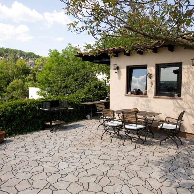 Piękny ogród: aranżacja we włoskim stylu