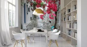 Motywy kwiatowe we wnętrzach są idealnym urozmaiceniem aranżacji - w sam raz na wiosnę i początek lata.