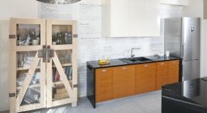 Towarzyski styl życia gospodarzy oraz pasja kulinarna pana domu były dla arch. Marty Kruk naturalną podpowiedzią, jak zorganizować przestrzeń kuchni.Zobaczcie piękny projekt.