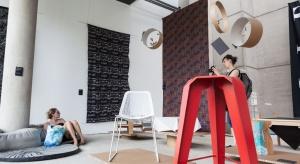 W tym roku Gdynia obchodzi swoje 90. urodziny, a Gdynia Design Days startuje z 9. edycją festiwalu. Na hasło ODZYSKANE mieszkańcy, entuzjaści designu, projektanci i młodzi przedsiębiorcy wyruszą w podróż do przeszłości w poszukiwaniu inspirac