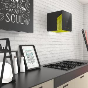 Okap Cube Neon ma nowoczesną formę i dwukolorową obudowę. Fot. Ciarko Design