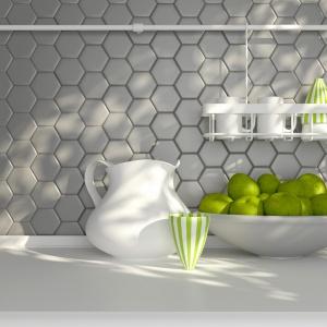 Kolekcja Mineral - Heksagon jasnoszary mozaika cermiczna na ścianie kuchennej. Fot. Raw Decor