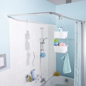 Praktyczny wiszący regał pod prysznic z dwoma koszykami do przechowywania. Cena: ok. 45 zł. Fot. Tchibo