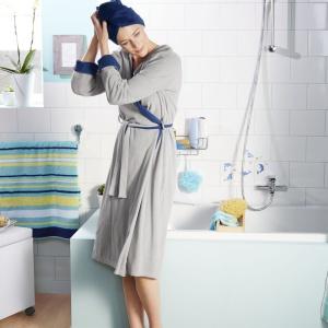 Ręcznik-turban jest bardzo chłonny i wygodny do zawiązania. Cena: ok. 45 zł. Fot. Tchibo