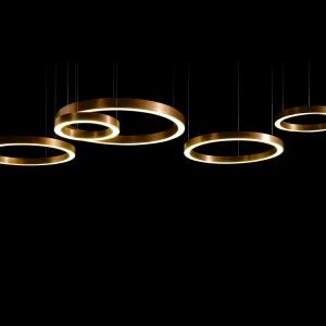 Lampa Henge lightring horizontal. Fot. Mesmetric