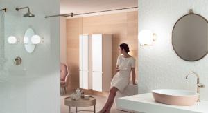 Każdy z nas trochę inaczej wyobraża sobie idealną łazienkę. Dla słynnej projektantki Gesy Hansen najważniejszy był kolor.