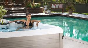 Kąpiel na świeżym powietrzu relaksuje i odpręża jak żadna inna! Zarówno w upalne <br />lato, jak i w chłodniejsze jesienno-zimowe dni.