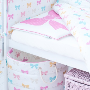 Princess Bows bedding, crib bumper&pink wicker coffer with lid.jpg