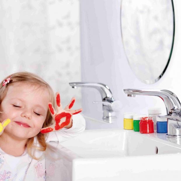 Łazienka bezpieczna dla dziecka - tak ją urządzisz