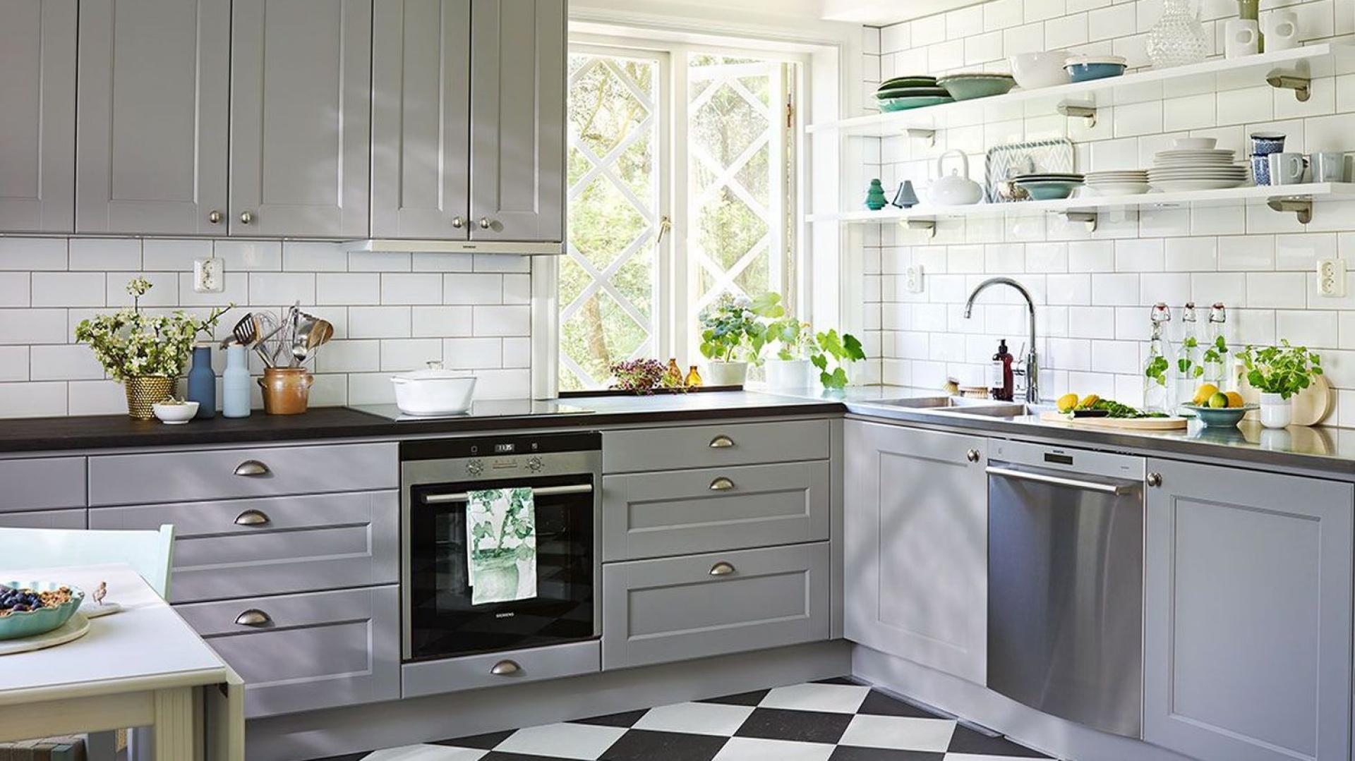 Elegancka klasycyzująca Szara kuchnia 12 pomysłów na   -> Kuchnia Meble Szare