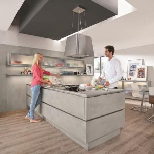 Meble w tej kuchni szara kuchnia 12 pomys w na for Marcas de cocinas alemanas
