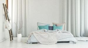 Odpowiedni materac podnosi komfort snu i tego jak czujemy się w dzień. Latem warto zatroszczyć się o dodatkowe funkcje, jak regulacja temperatury ciała czy cyrkulacja powietrza.