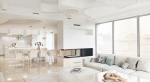 W galerii przedstawiamy 15 zdjęć pięknych projektów salonów naszych architektów.