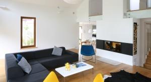 Salon to wizytówka całego domu bądź mieszkania. To jak go urządzimy jest zatem niezwykle istotne. Zobaczcie jaką stylistykę proponują rodzimi projektanci.