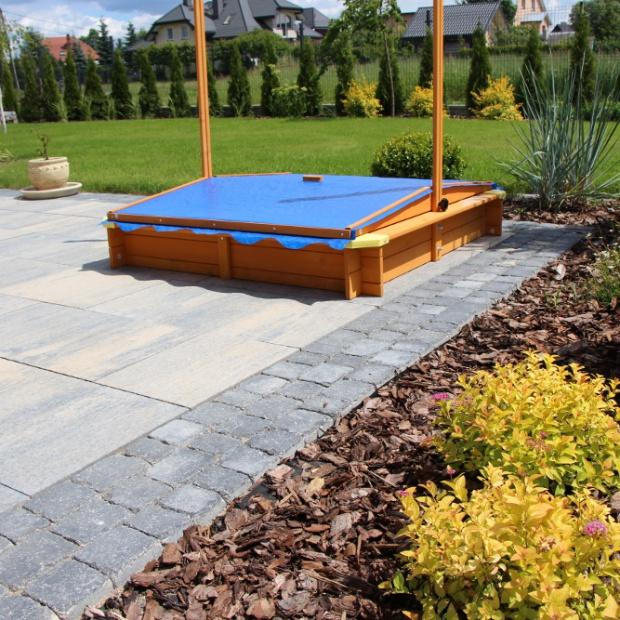 Piękny ogród: jak dobrać nawierzchnię na dużą działkę