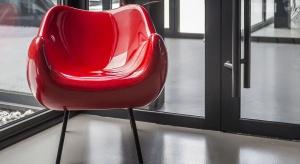 Zapewne każdy kto miast styczność ze wzornictwem, nie mógł nie usłyszeć o polskim fotelu RM58, który stał się ikoną światowego designu, a pochodzi właśnie z czasów poprzedniej epoki.Byliśmy w stanie przywrócić tej ikonie żywotność -