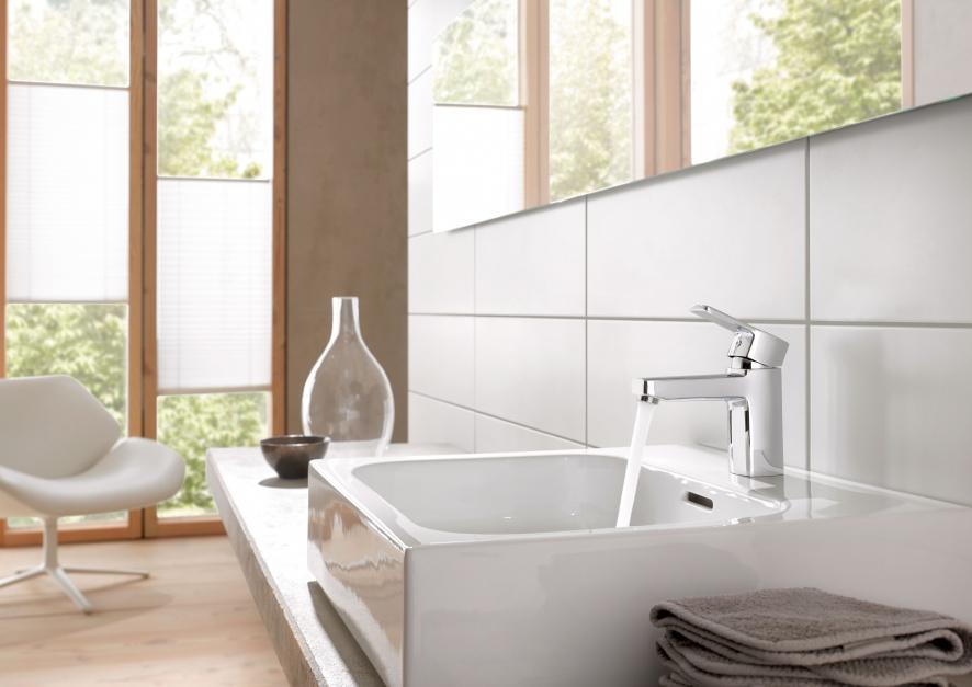 Bateria umywalkowa z serii Kludi Q-BEO. Fot. Kludi